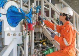 UAE nationals start training with Schlumberger