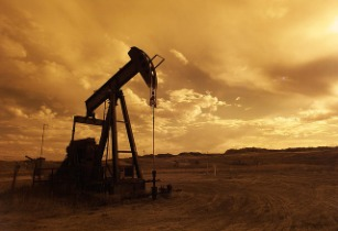 Iran signs deal with Russia�s Zarubezhneft to develop two oilfields