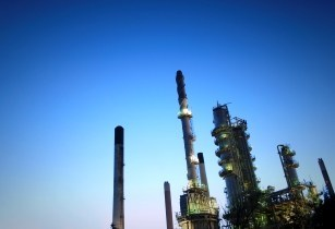 oil refinery-james knight sxc.hu