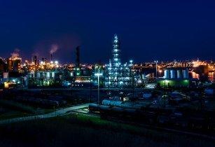 oil refinery wood mackenzie